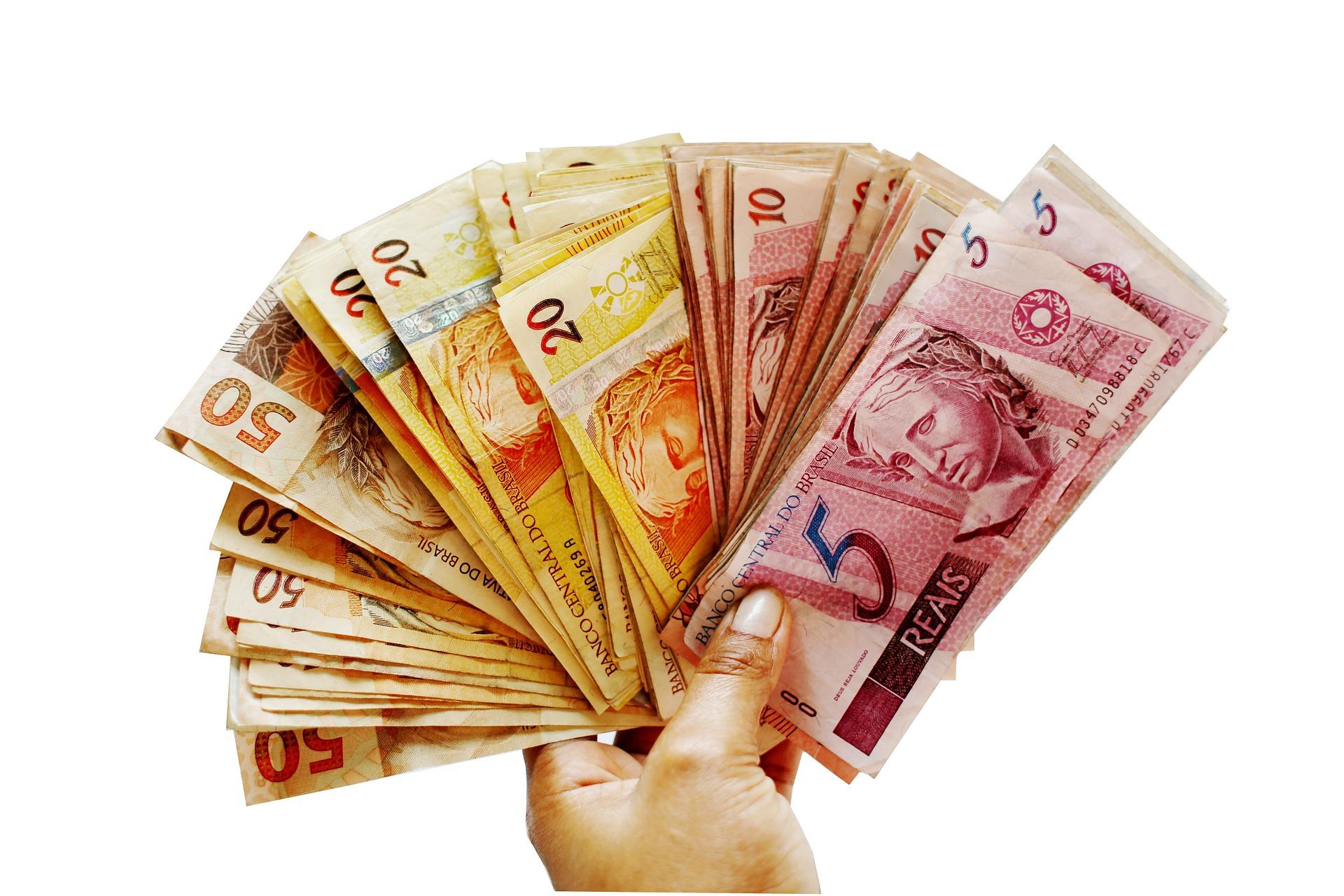 Artigos angelita reis advocacia Remessa de dinheiro para o exterior